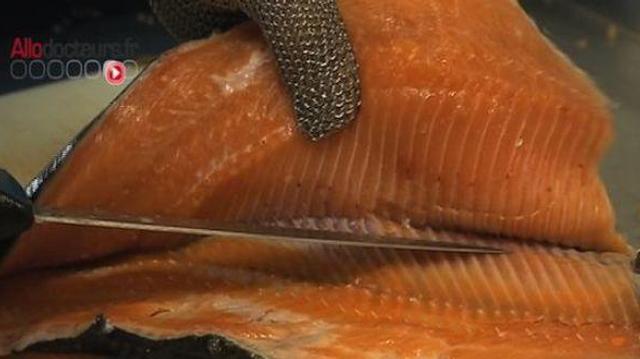 Oméga 3 : manger plus de poissons gras limiterait le risque de cancer du sein