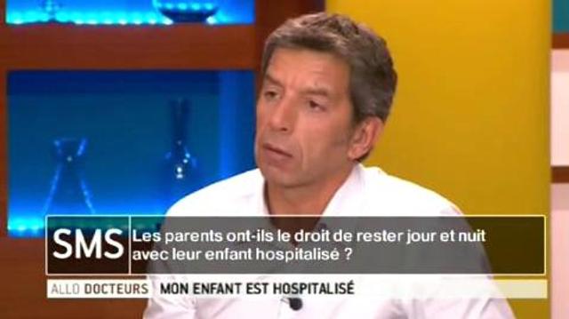 Les parents ont-ils le droit de rester jour et nuit avec leur enfant hospitalisé ?