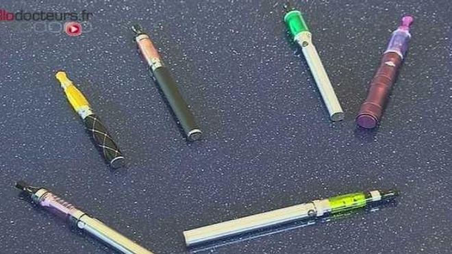 Cent médecins défendent la cigarette électronique