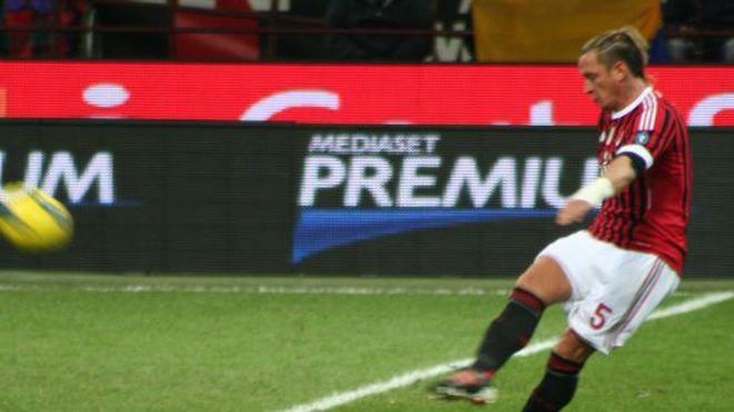 Philippe Mexès, lors d'un match Milan-Sienne en décembre 2011 (Imafe : Franciaio, cc-by-sa)