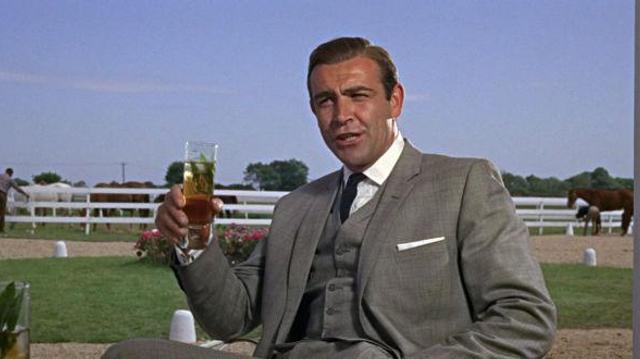 James Bond souffrirait d'alcoolisme