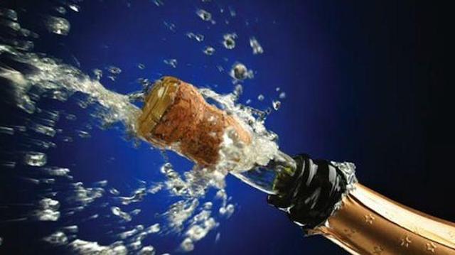Contusion de l'oeil : prenez garde aux bouchons de champagne !