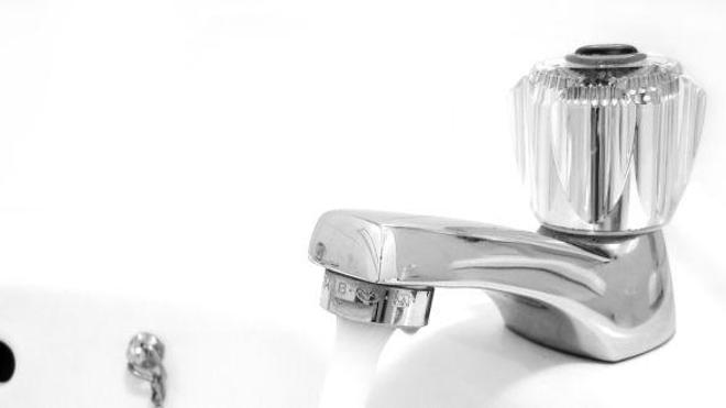 Le plomb dans l'eau potable, c'est fini... en théorie (© Matthew Bowden)