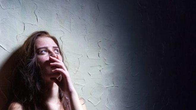 Des spots radio qui invitent les victimes de viol à parler (Image d'illustration)