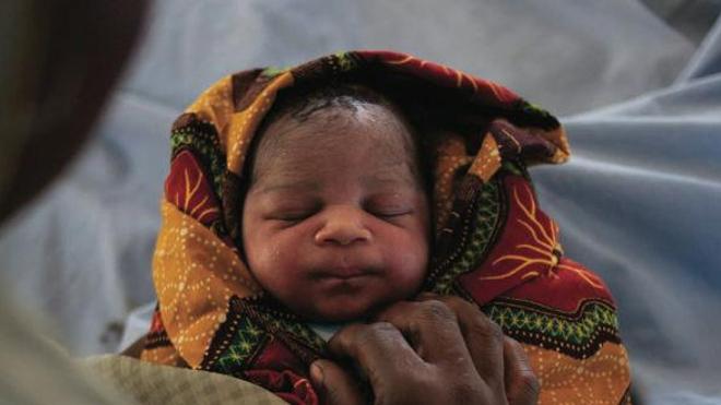 Détail de la couverture du rapport ''Ending Newborn Deaths'' de Save The Children