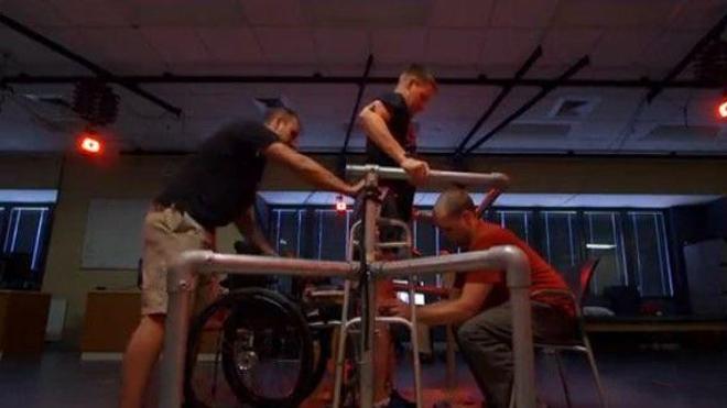 Des paraplégiques retrouvent une motricité grâce à la stimulation électrique