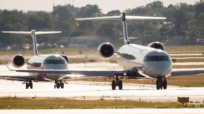 Un passager à l'odeur pestilentielle force un avion à atterrir… et meurt peu de temps après