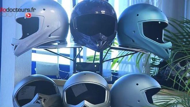 Moto : de nouvelles normes pour des casques plus sûrs ?