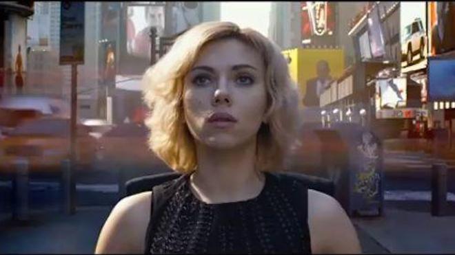 Capture d'écran de la bande-annonce du film ''Lucy'' de Luc Besson