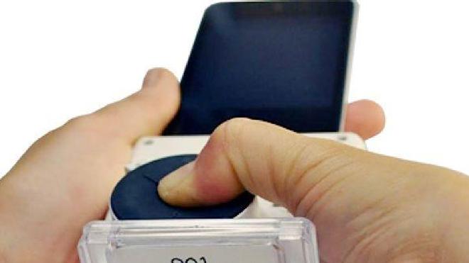 Accessoire smartphone de dépistage VIH et Syphilis Credit: Samiksha Nayak, Columbia Engineering