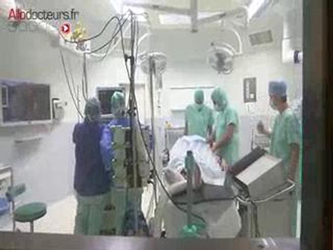 Attention images de chirurgie ! Pose d'un stimulateur du nerf vague