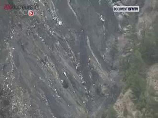 Après le crash de la Germanwings, la difficile recherche des corps a commencé.
