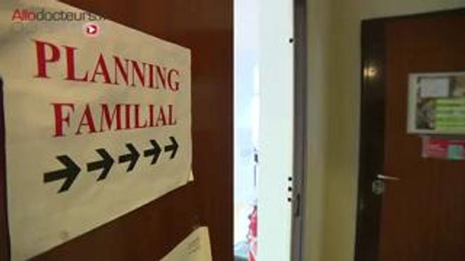 A quoi sert le Planning familial ? Pourquoi son action est-elle toujours indispensable ? Reportage dans le centre du 13ème arrondissement de Paris (diffusé le 10 décembre 2015).