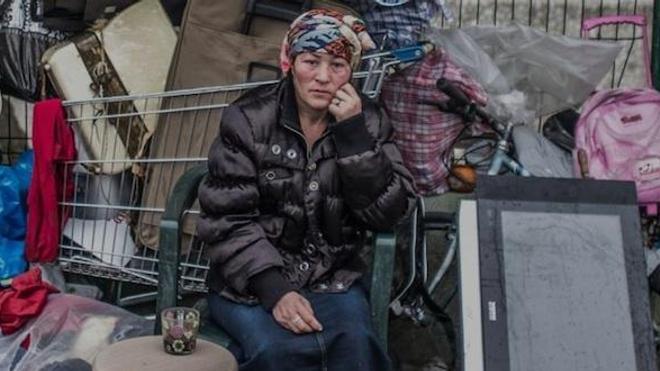 Photographie d'une habitante du bidonville de la Porte des Poissonniers. (© Médecins du Monde)