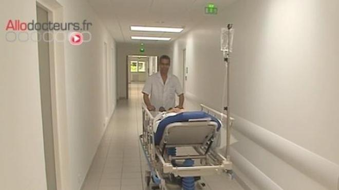 Le gouvernement dément vouloir supprimer 16.000 lits d'hôpital en trois ans
