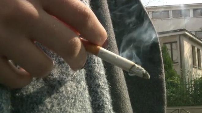 État d'urgence : l'autorisation de fumer dans les lycées devant la justice
