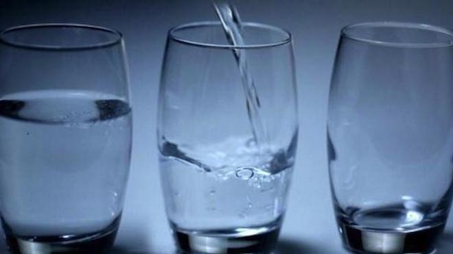 Peut-on attraper une gastro-entérite en buvant de l'eau en bouteille ?