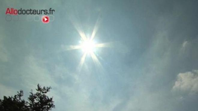 Les allergies solaires se déclenchent après un apport massif et soudain d'UV qui pénètrent l'épiderme.