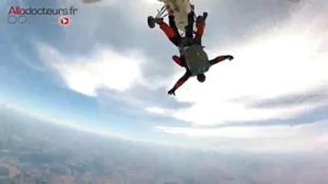 Myopathie : le parachutisme lui donne des ailes !