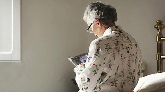 L'OMS alerte sur la discrimination à l'égard des personnes âgées