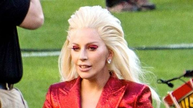 Lady Gaga en février 2016 (cc-by Appap)