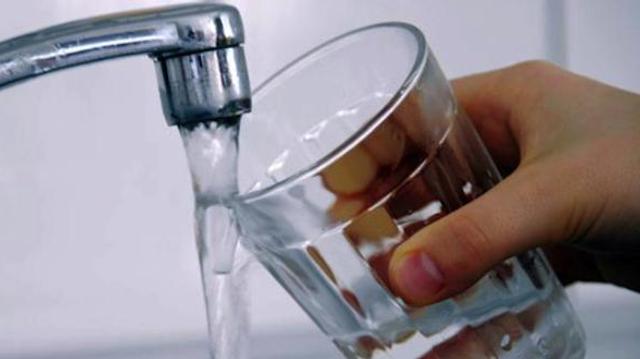 Lille : pas d'eau du robinet pour les bébés de moins de six mois