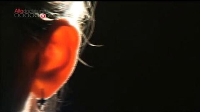 Comment bien se nettoyer les oreilles (reportage du 9 janvier 2013)