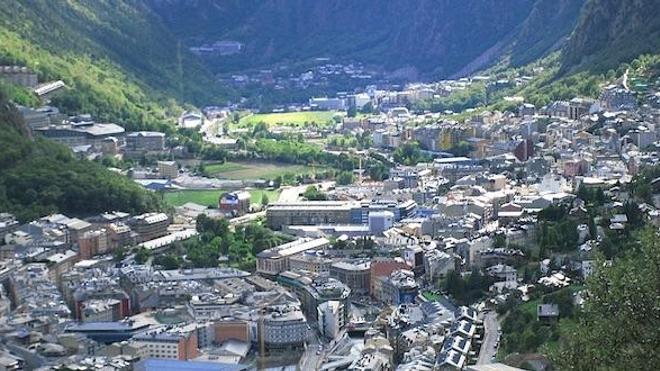 Vue d'Andorre-la-Vieille, capitale d'Andorre, premier pays du classement. (cc-by-sa R. Gertjan)