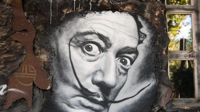 La célèbre moustache de Salvador Dali a été retrouvée intacte lors de son exhumation.