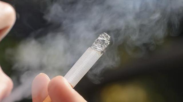 "Les non-fumeurs victimes du tabagisme ""ultra-passif"""