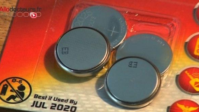 Photo d'illustration. Le lithium contenu dans les piles boutons est à l'origine des lésions de l'oesophage.