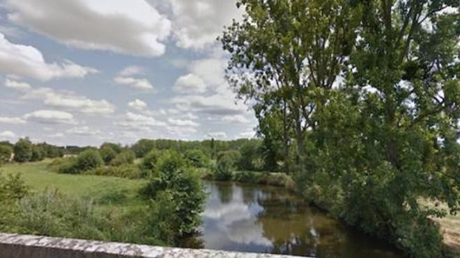 La rivière Seiche, au niveau de la commune de Boistrudan où de nombreux poissons sont morts.
