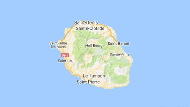 """""""La grippe n'avait jamais autant touché les jeunes à La Réunion"""", selon le Dr François Chièze."""
