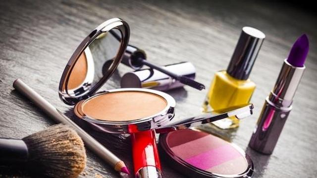 140 cosmétiques contenant des substances interdites ont été retirés des rayons