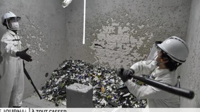 """Casque, gants, combinaison, tout est conçu pour éviter de se blesser dans la """"Fragment Room"""" ©Instagram/thefragmentroom"""