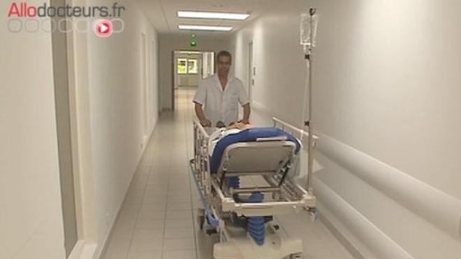Entre 2000 et 2015, le nombre de lits d'hôpitaux en France a diminué de 15 %.