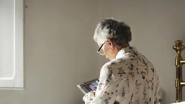 """Grippe : """"On ne prend pas assez en compte la vulnérabilité des personnes âgées"""""""