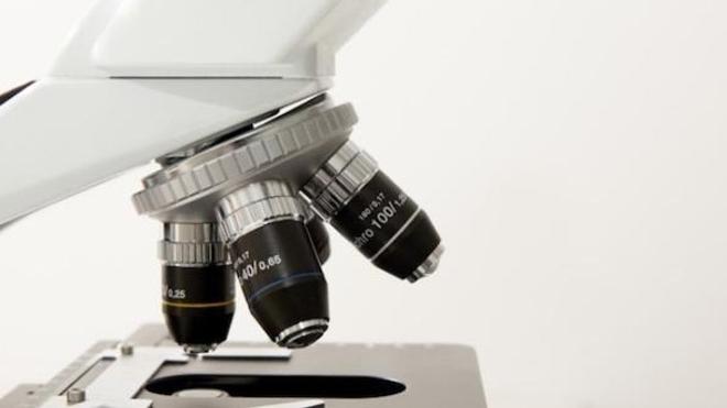 Microscope de recherche. Photo on Visual Hunt