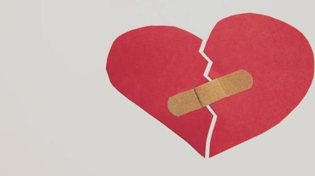 Mourir d'un coeur brisé, c'est possible