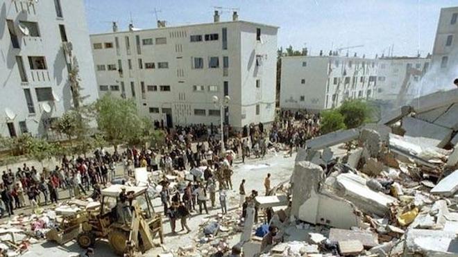 Image des conséquences matérielles du séisme de mai 2003 en Algérie. (cc-by-Magharebia)