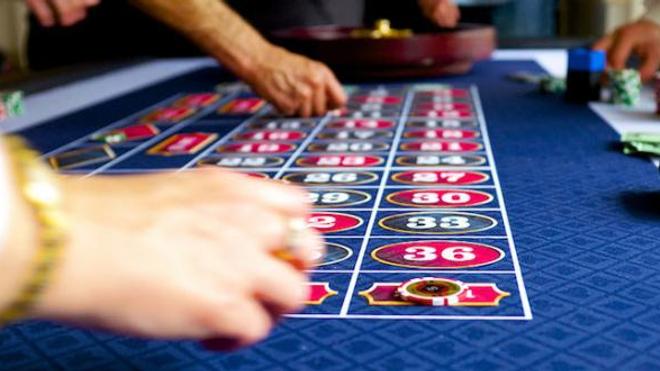 Parmi les effets indésirables du traitement, les chercheurs évoquent une dépendance aux jeux.