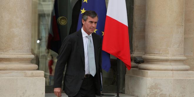 Jérôme Cahuzac sortant de l'Élysée