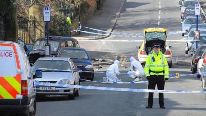 La police a installé des cordons de sécurité dans les endroits où les deux quadragénaires auraient pu se rendre.