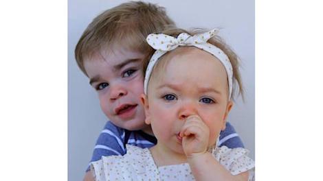 Pourquoi les parents d'Hugo et Emma sont-ils contraints d'appeler aux dons pour sauver leurs enfants?