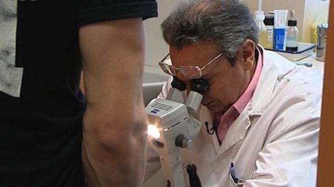 Près d'un homme sur dix et la moitié des femmes infectées ne présentent aucun symptôme