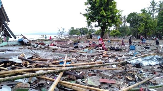 Tsunami en Indonésie : le bilan des victimes s'alourdit