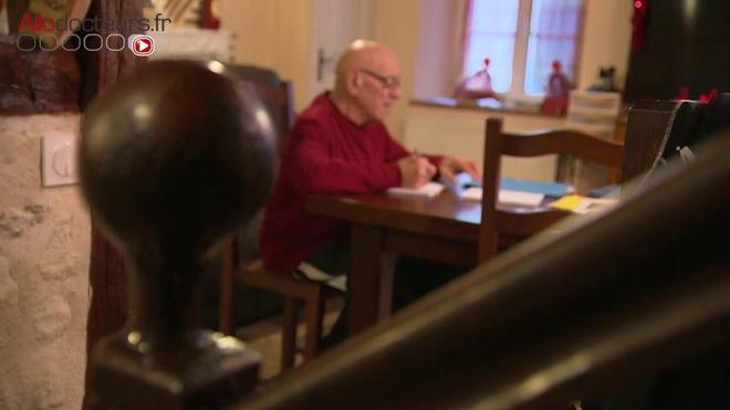 Roger, 83 ans, le roi des abdos