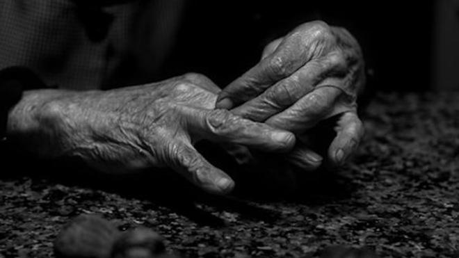 Aurait-on hâté la mort de plusieurs patients âgés ?