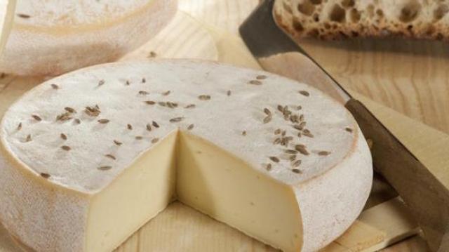 Rappel de six lots de reblochon produits par la fromagerie d'Eteaux