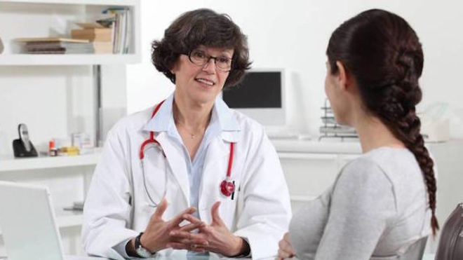 Les femmes représentent 47% des médecins hospitaliers
